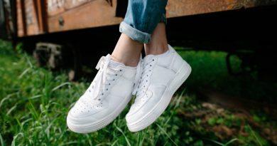 تمیز کردن کفش کتانی سفید