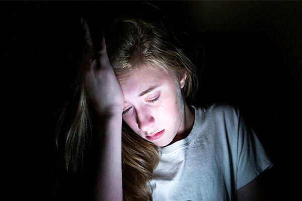 افسردگی در دوران بلوغ نوجوانان
