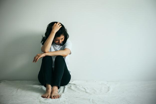 علائم افسردگی در زنان جوان
