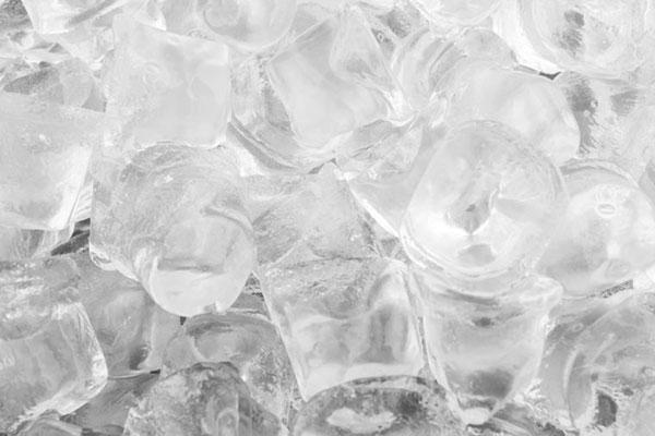یخ مضر برای دندان