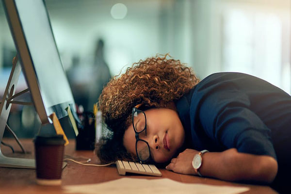 خستگی بهاری چیست