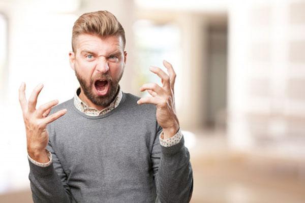 کنترل گریه هنگام عصبانیت