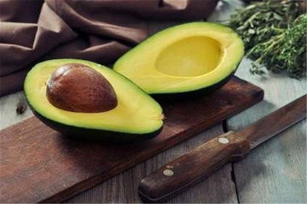 آووکادو مواد غذایی حاوی امگا۳