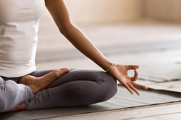 با پزشک خود در مورد یوگا و افسردگی صحبت کنید